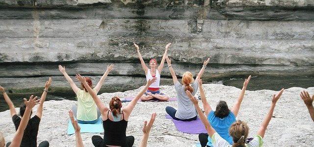 Zajęcia z jogi na dworze